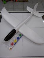 Самолет с красками для индивидуального дизайна