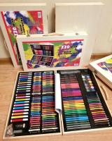 Художественный набор 220 предметов в деревянном ящике